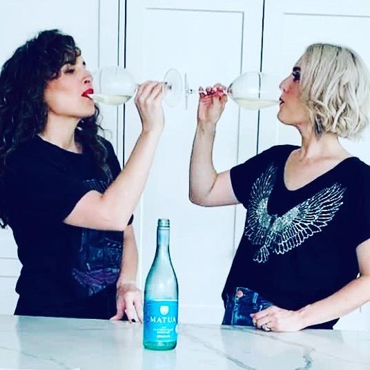 Bildo & Lindalin, Wine Chats Podcast,  Matua Savignon Blanc