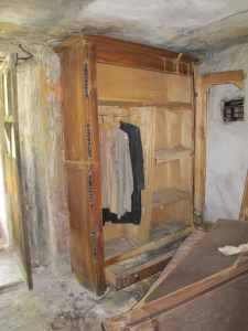 Decades after the inhabitants moved to Torino, moth-eaten clothes still hang in Valliera's closets.