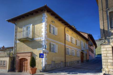 For centuries, the E. Pira e Figli winery has occupied the corner of via Monforte and via Vittorio Veneto in Barolo.