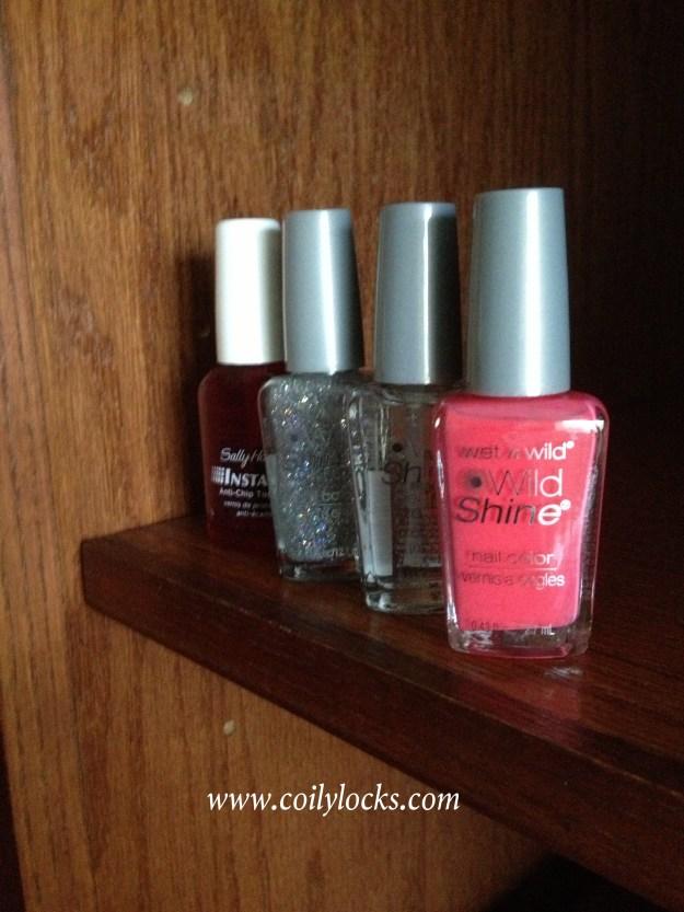 manicure monday sparkle coral coily locks alisha lampley mani nail polish 1