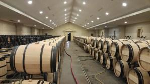 chateau-lascombes-barrel-room