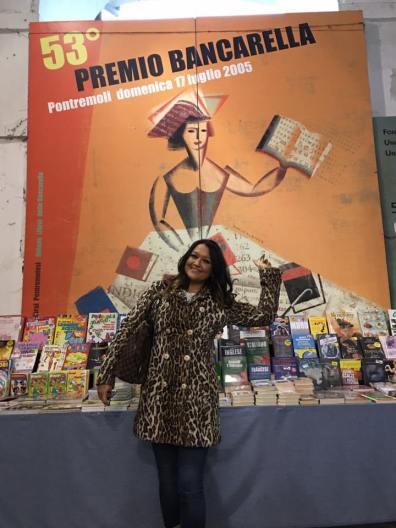 Oggi-Francesca-Negri-selezione-Bancarella-della-Cucina-nel-2008-e-2009-torna-sul-palco-del-Teatro-della-Rosa-dopo-sette-anni-per-condurre-il-talk-show-del-XI-premio-Bancarellla-della-Cucina