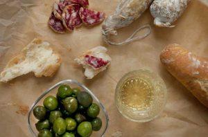Spanish wine and tapas pairing guide