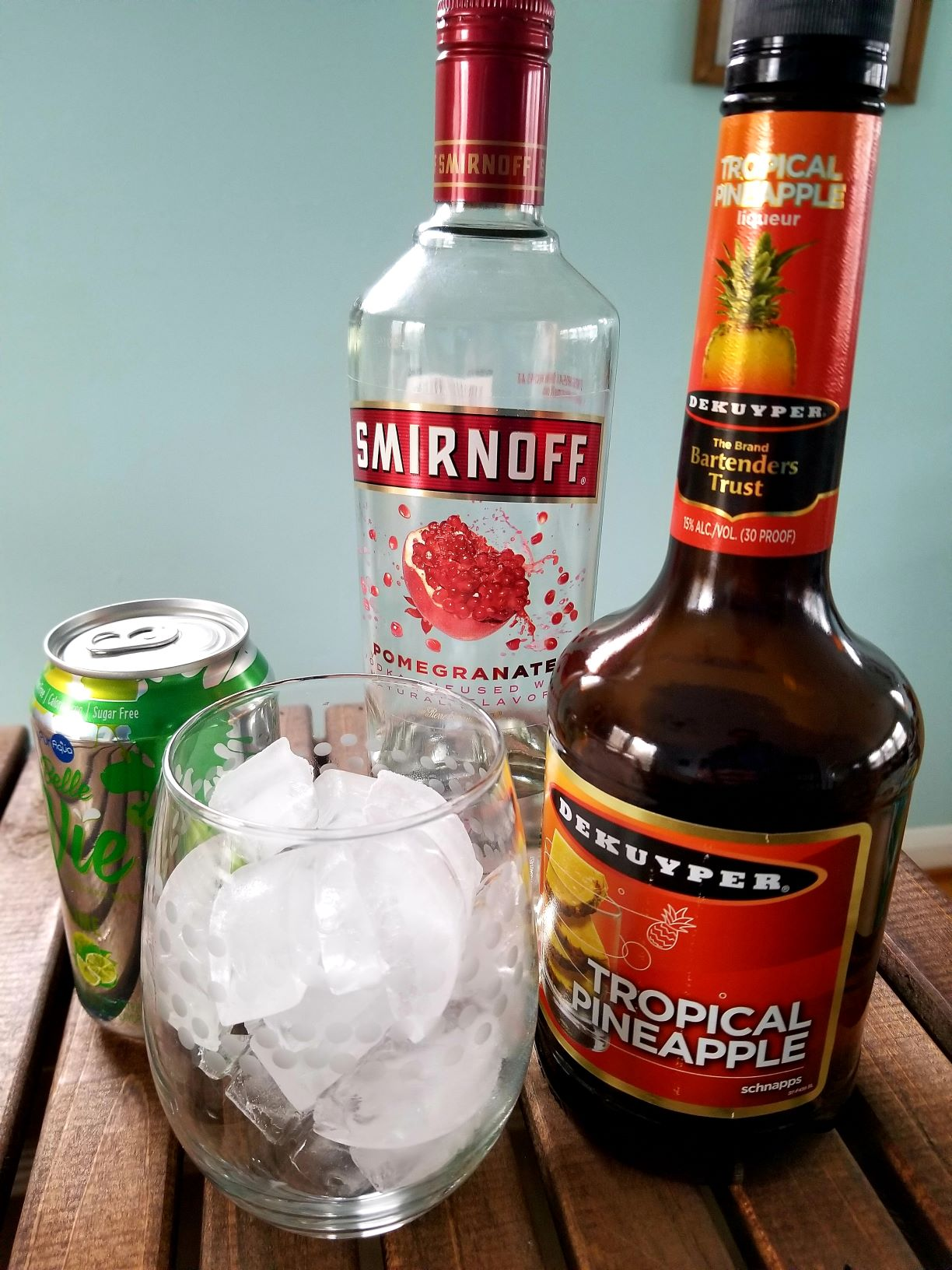 How to Make a Tropical Crush Cocktail