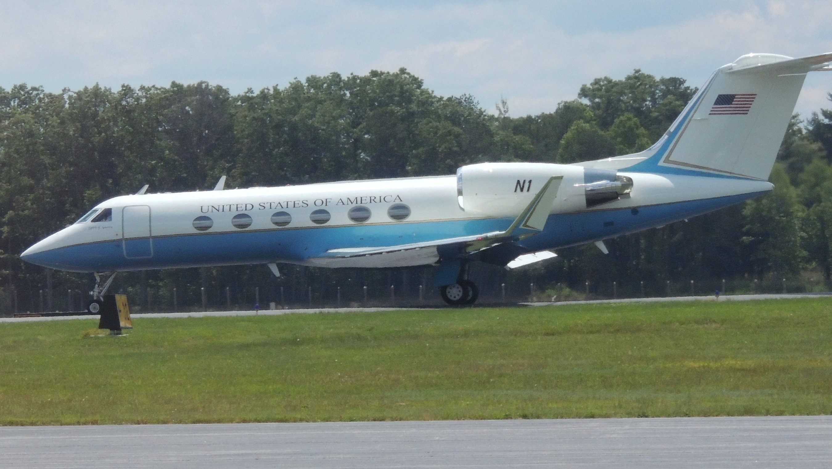 This had just landed at Asheville NC while we were waiting on Pam to arrive