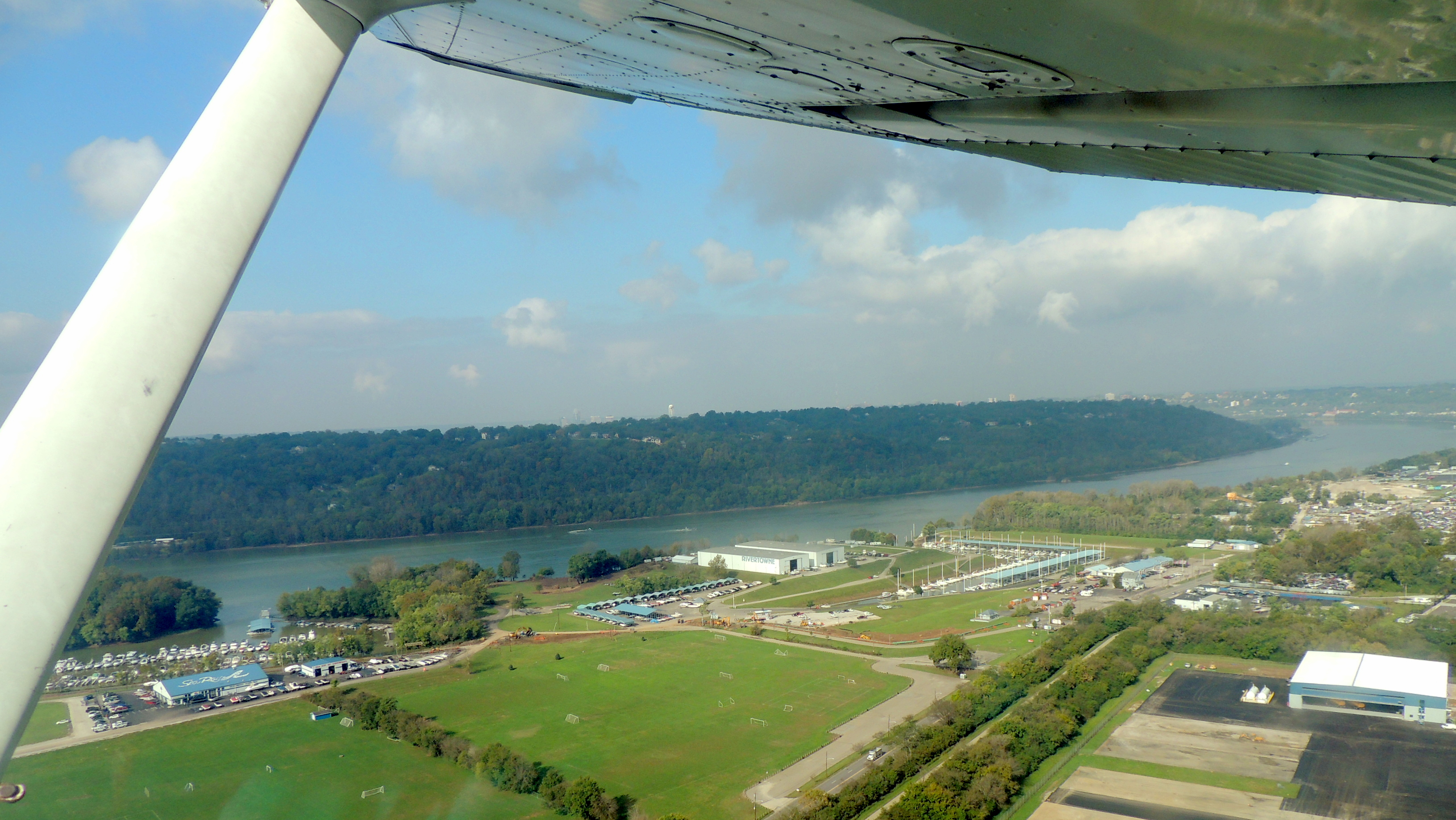 Departing Lunken Field (Cincinnati Ohio) heading for Stafford VA