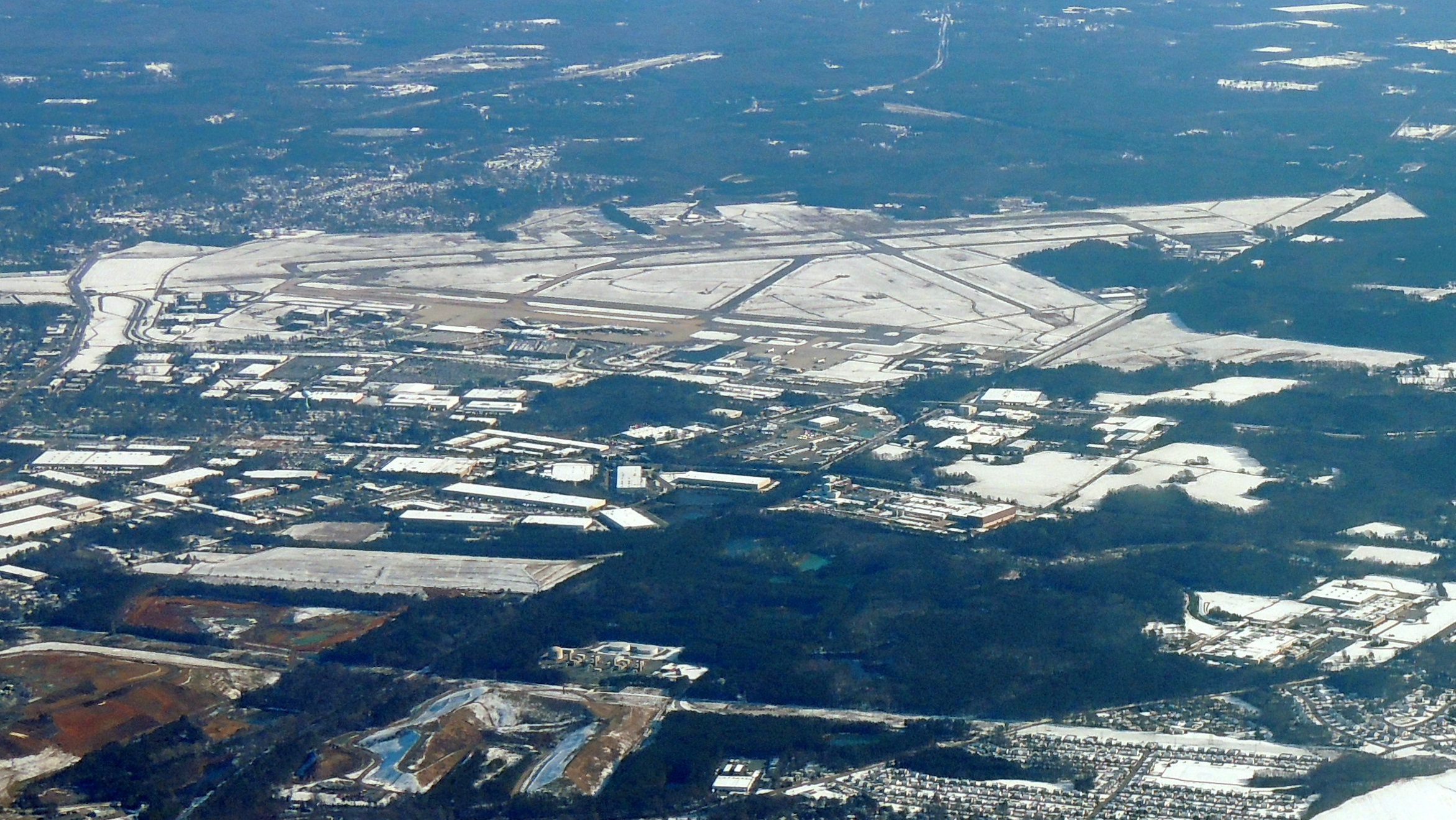 Snow on the ground at Richmond International (RIC)