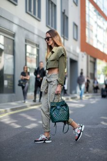 lfw-ss16-street-style-day-1-08