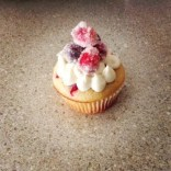 Cranberry Bliss Cupcake