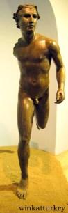 Estatua de un atleta del periodo helenístico tardio (50-30 a.c). Encontrado en Nemrut