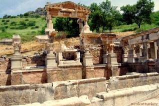 El ninfeo o fuente de Trajano (102-104 d.c)