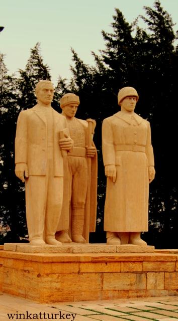 Estatuas en Ankara