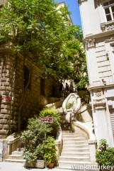 Subida a la torre desde el Puente Gálata