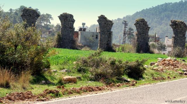 Restos acueducto romano