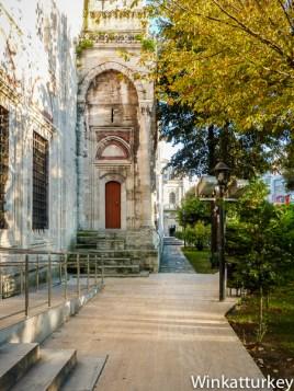 Acceso a la mezquita de Sehzade