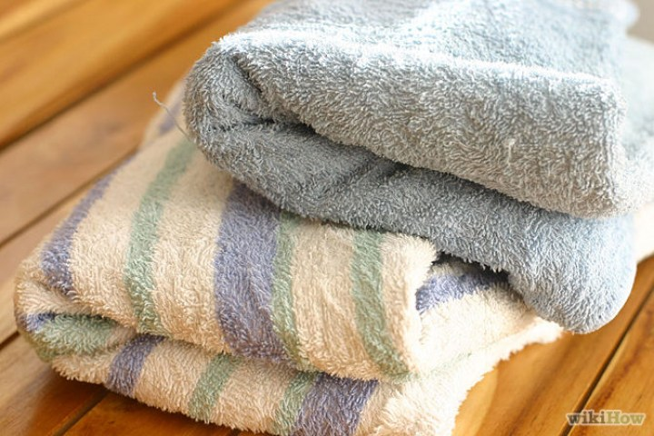 13 Home Cleaning Tips Using Normal Household Ingredients - Use vinegar and baking soda to make your new towels more absorbent.