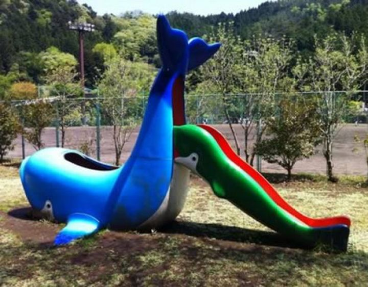 20 Creepy Playgrounds - Whales shouldn't do that, so wrong.