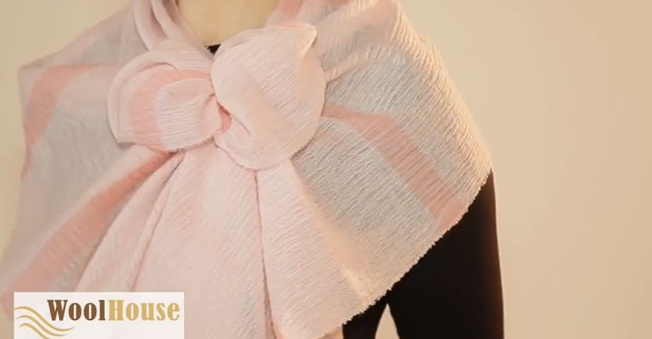 Style #11 - 19 awesome ways to tie a scarf or shawl.