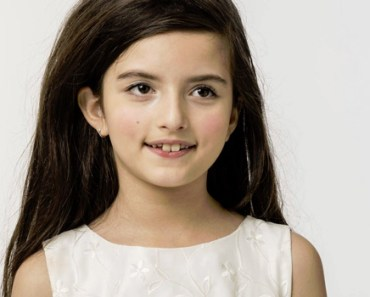Angelina Jordan Sings 'Fly Me to the Moon' Flawlessly Featured