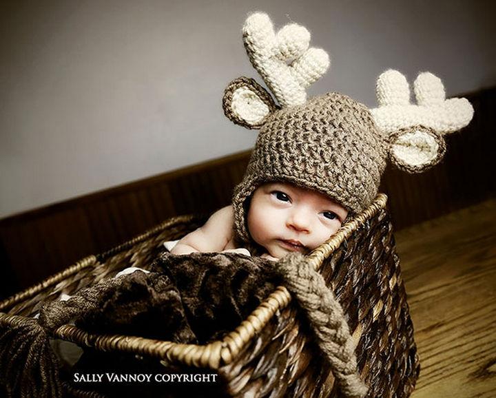 21 Crocheted Winter Hats - Deer Hat.