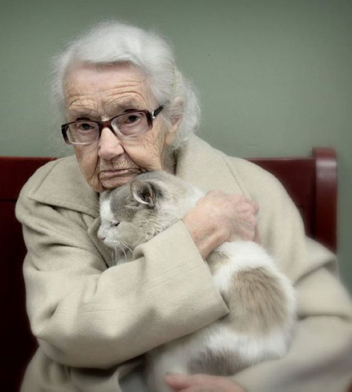 102-Year-Old Woman and Shelter Cat Instantly Become Friends.