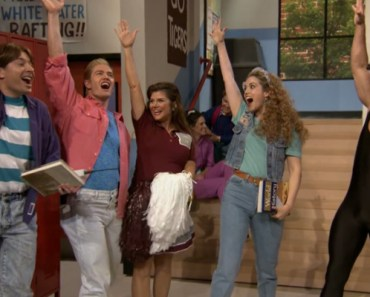 Cast of 'Saved by the Bell' Fabulously Reunites on Jimmy Fallon.