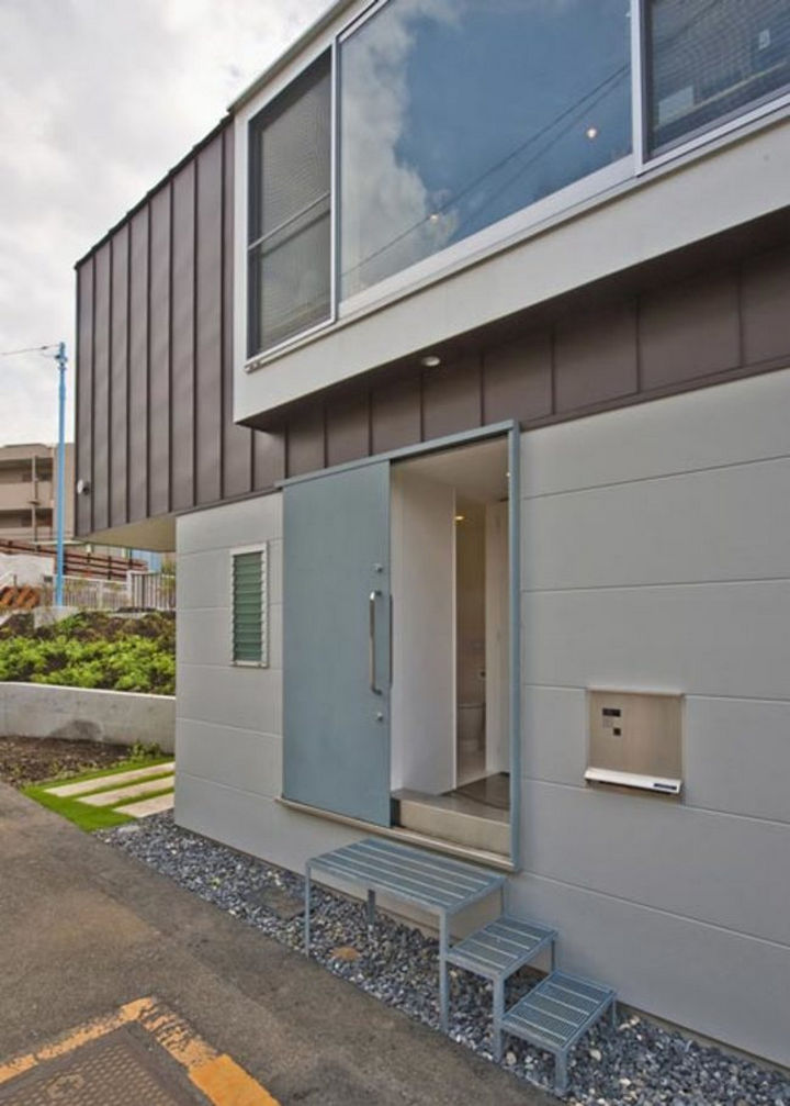 Small House Design in Japan - Take a look inside...