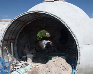 Steve Areen Built His Dream Vacation Dome Home in 6 Weeks.