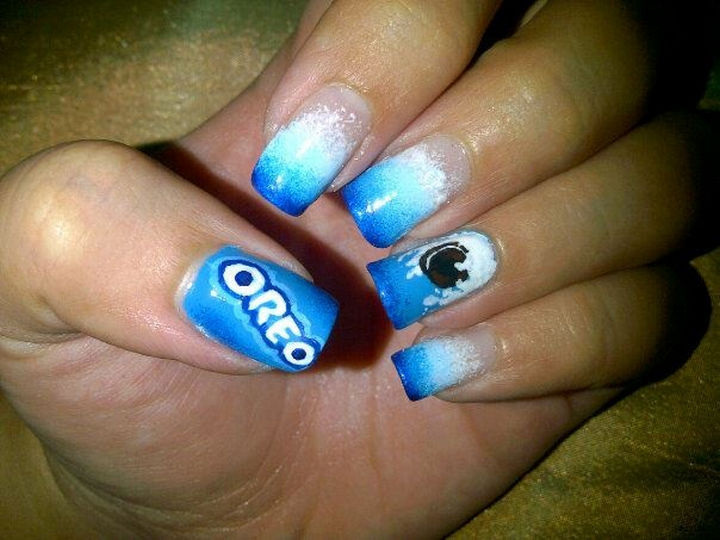 13 Food Nails Inspired by the Love of Food - Oreo cookies manicure.