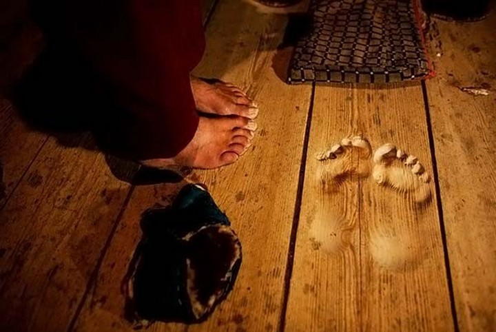 21 Awe-Inspiring Photos - Footprint indentations from a Monk who prayed in the same spot for 20 years.