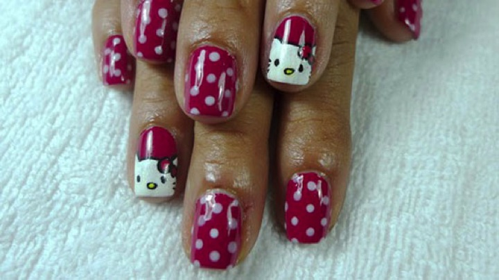14 Hello Kitty Nails - Polka dot Hello Kitty nail art.