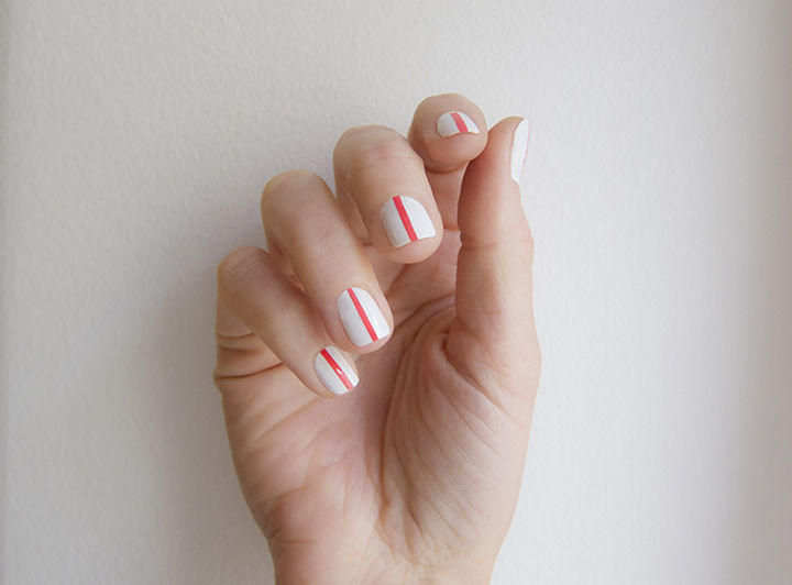 18 Striped DIY Nail Designs - Going for a single stripe.