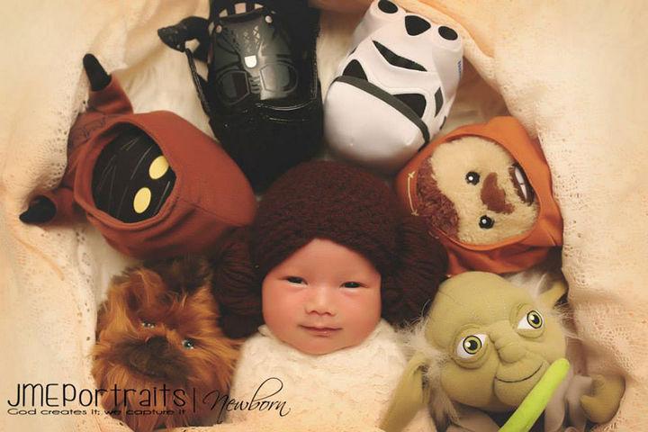 37 Newborns Wearing Geek Baby Clothes - Baby Princess Leia