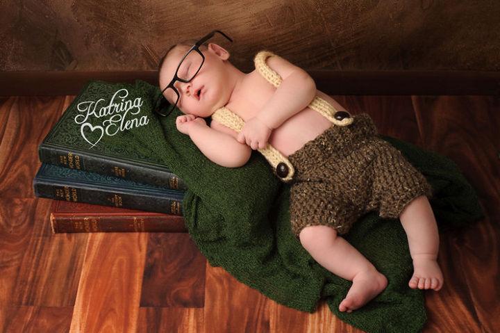 37 Newborns Wearing Geek Baby Clothes - Baby Hobbit.