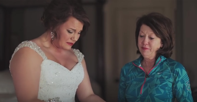 Mom Saves Letter for 20 Years for Daughter's Wedding Gift.