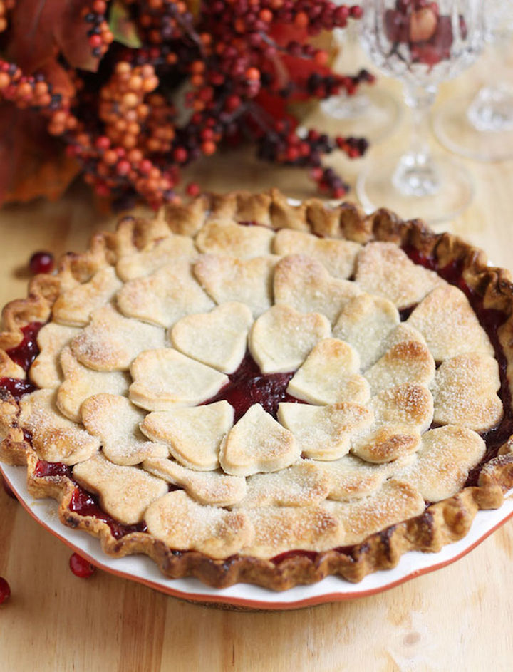 15 Pie Crust Designs to Make Your Pies Even More Beautiful