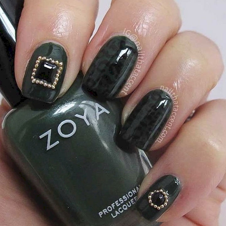 18 Beautiful Green Nails for Fall - Subtle animal print with bold accents.