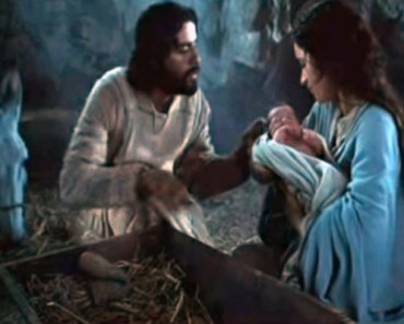 Josh Groban Sings O Holy Night to Scenes from the Nativity Story.