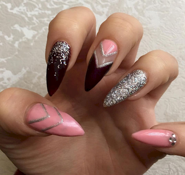17 Rose Pink Nails - Bold black nails with the softness of pink.