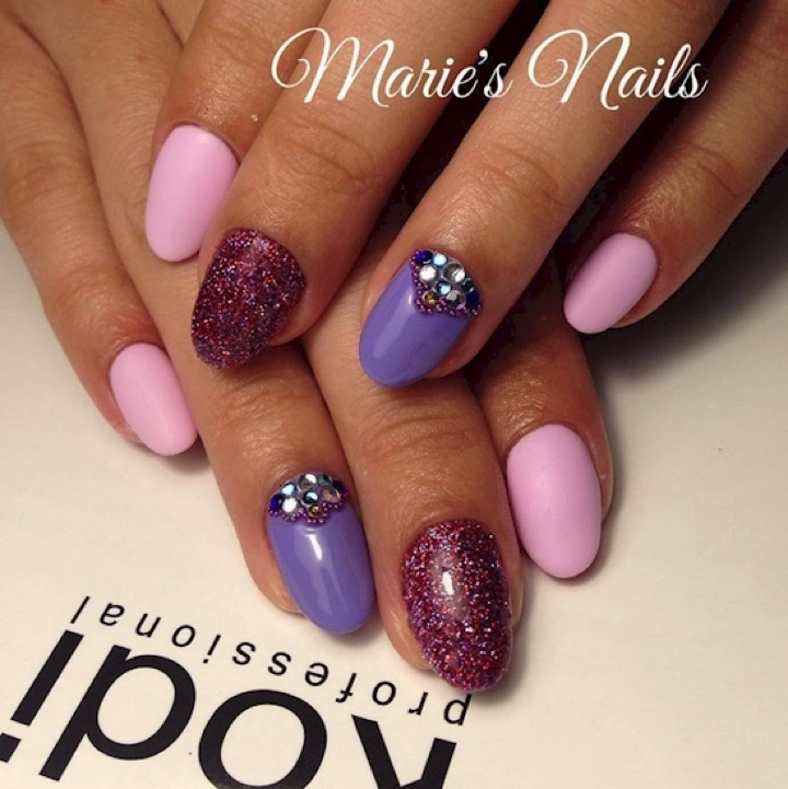 17 Extravagant Mauve Nail Manicures - Mauve is looks great as an accent color too!
