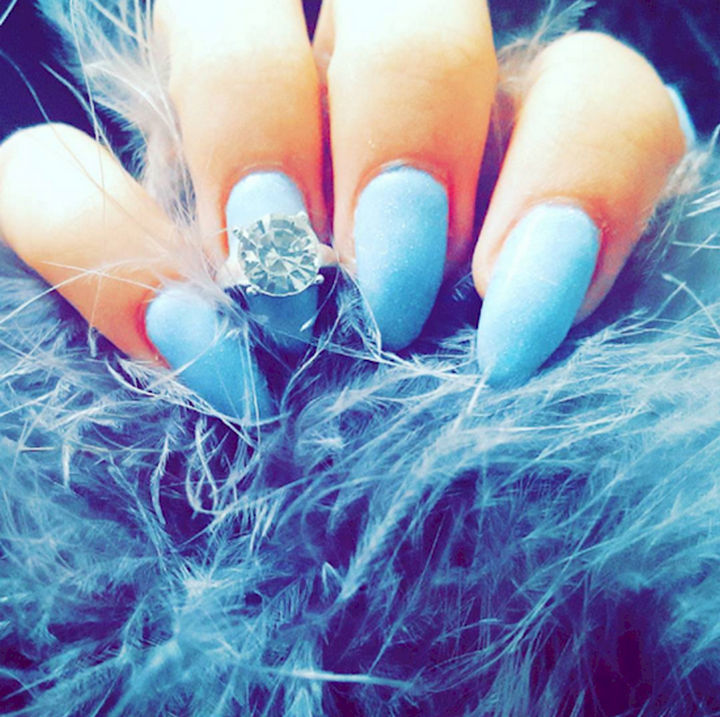 18 Ice Blue Nails - Icy blue nails that are ready to paint the town red.