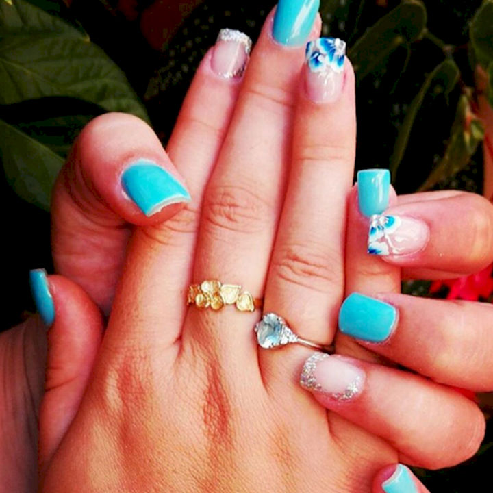 18 Ice Blue Nails - A winter mani with icy accent nails.