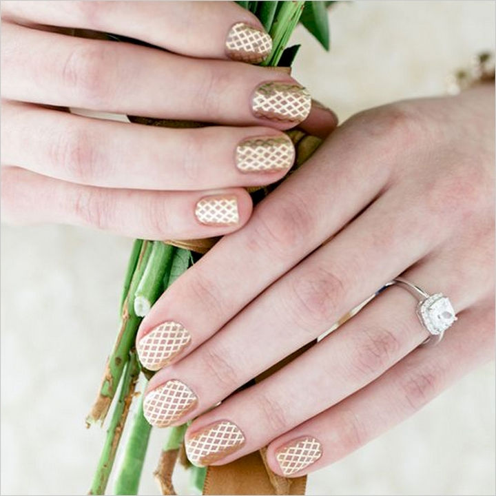 18 Perfect Wedding Nails - Intricate lines.