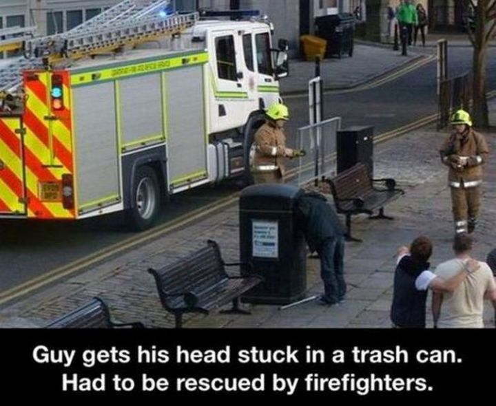 19 People Having a Bad Day - Getting your head stuck when nosing through the trash.