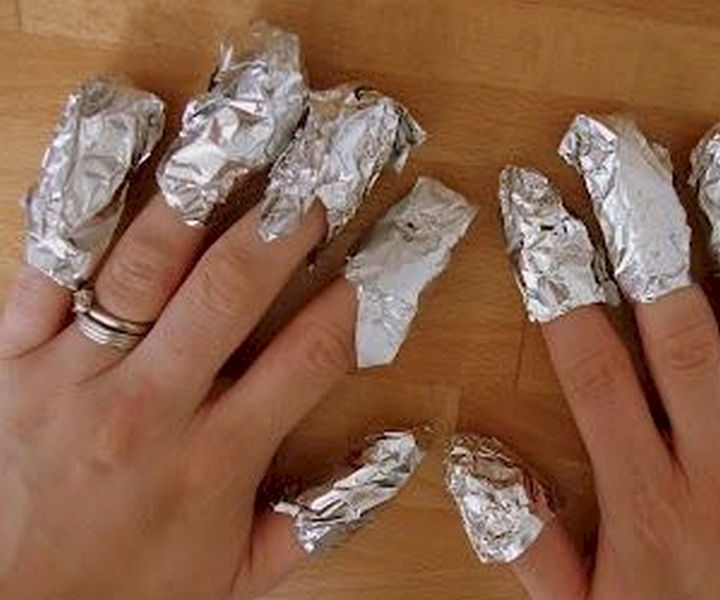 13 Nail Hacks for Salon-Quality Manicures - An easy way to remove your glitter polish.