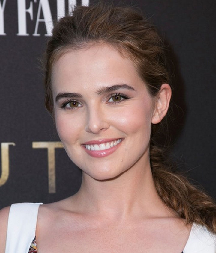 Her daughter Zoey Deutch is only 21 years old and already acting like her famous mother. She's had a recurring role in 'Ringer' and has roles in several movies in 2016 and 2017.