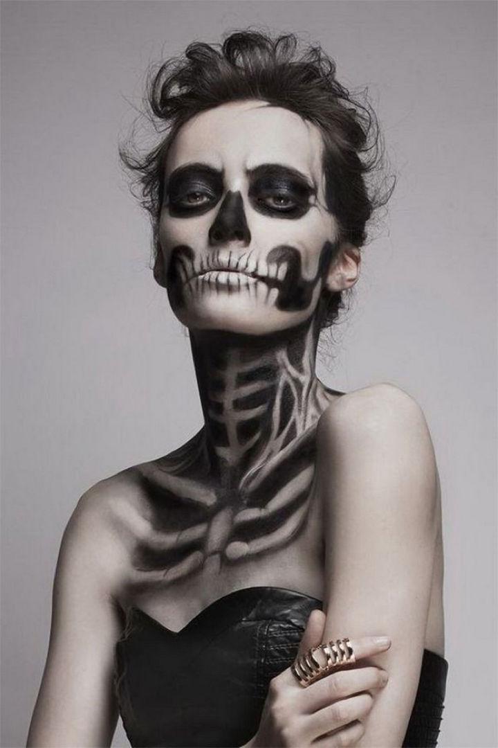37 Scary Face Halloween Makeup Ideas - Skeleton girl.