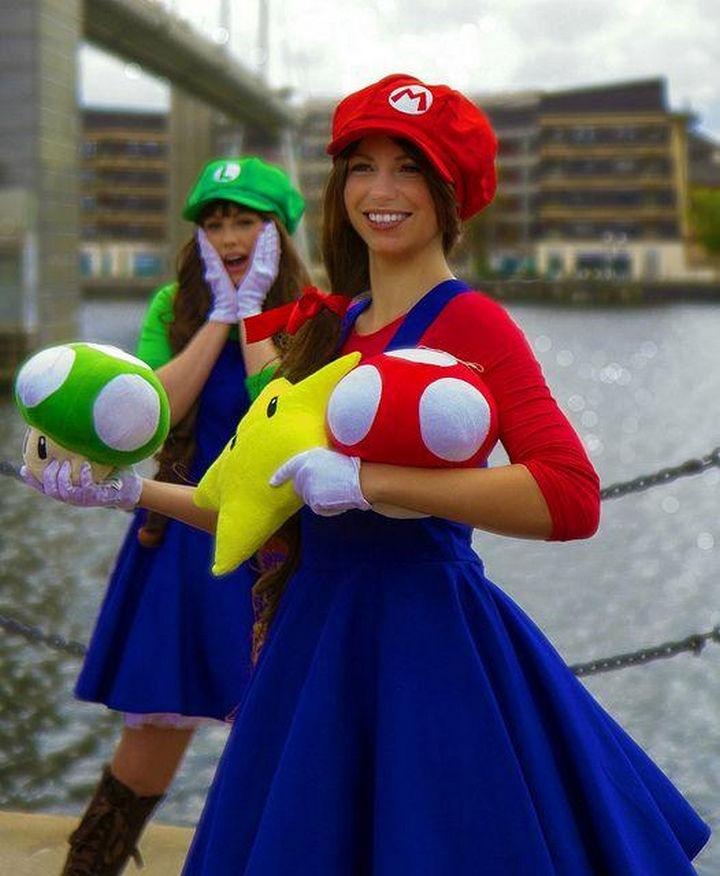 23 Super Mario and Luigi Costumes - It's the Super Mario sisters!