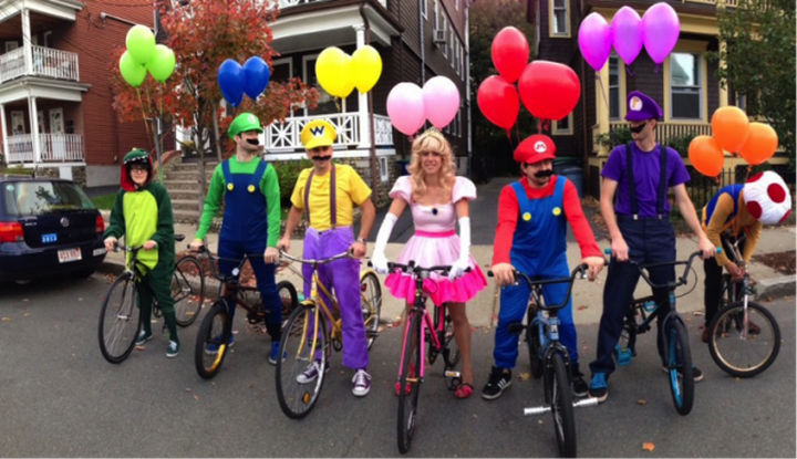 23 Super Mario and Luigi Costumes - Another great group costume of Mario Kart battle mode!