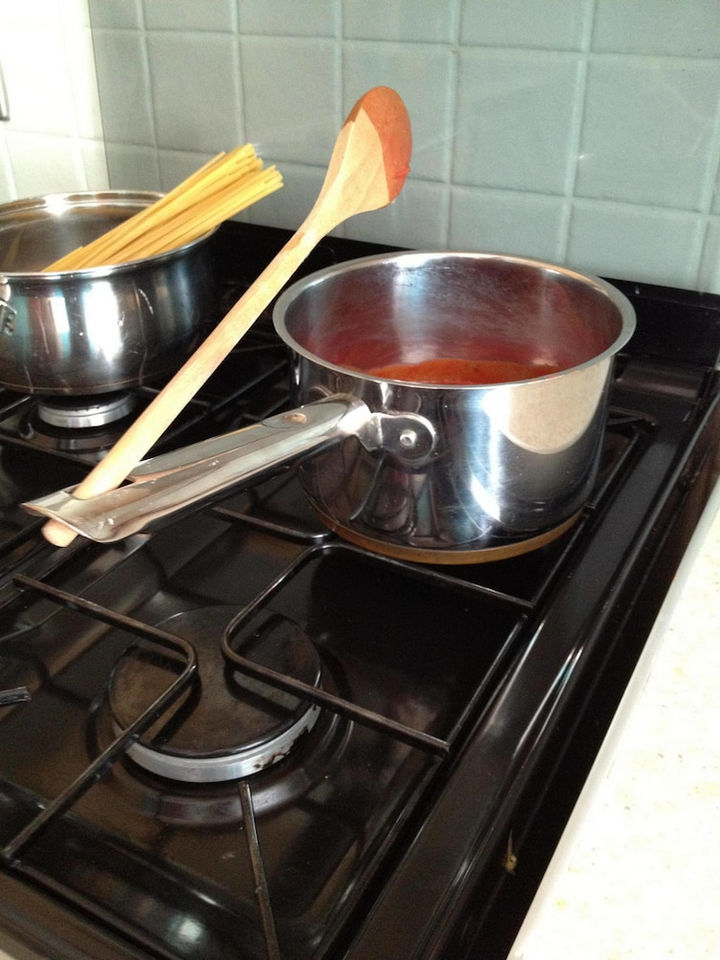 Things you've been doing wrong - Who needs a spoon holder when most pots and pans have a hole in the handle.